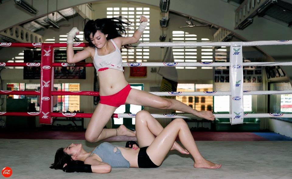 Khi phái đẹp đấu boxing 15
