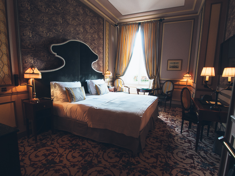 Grand Hotel de Bordeaux Mademoiselle Robot