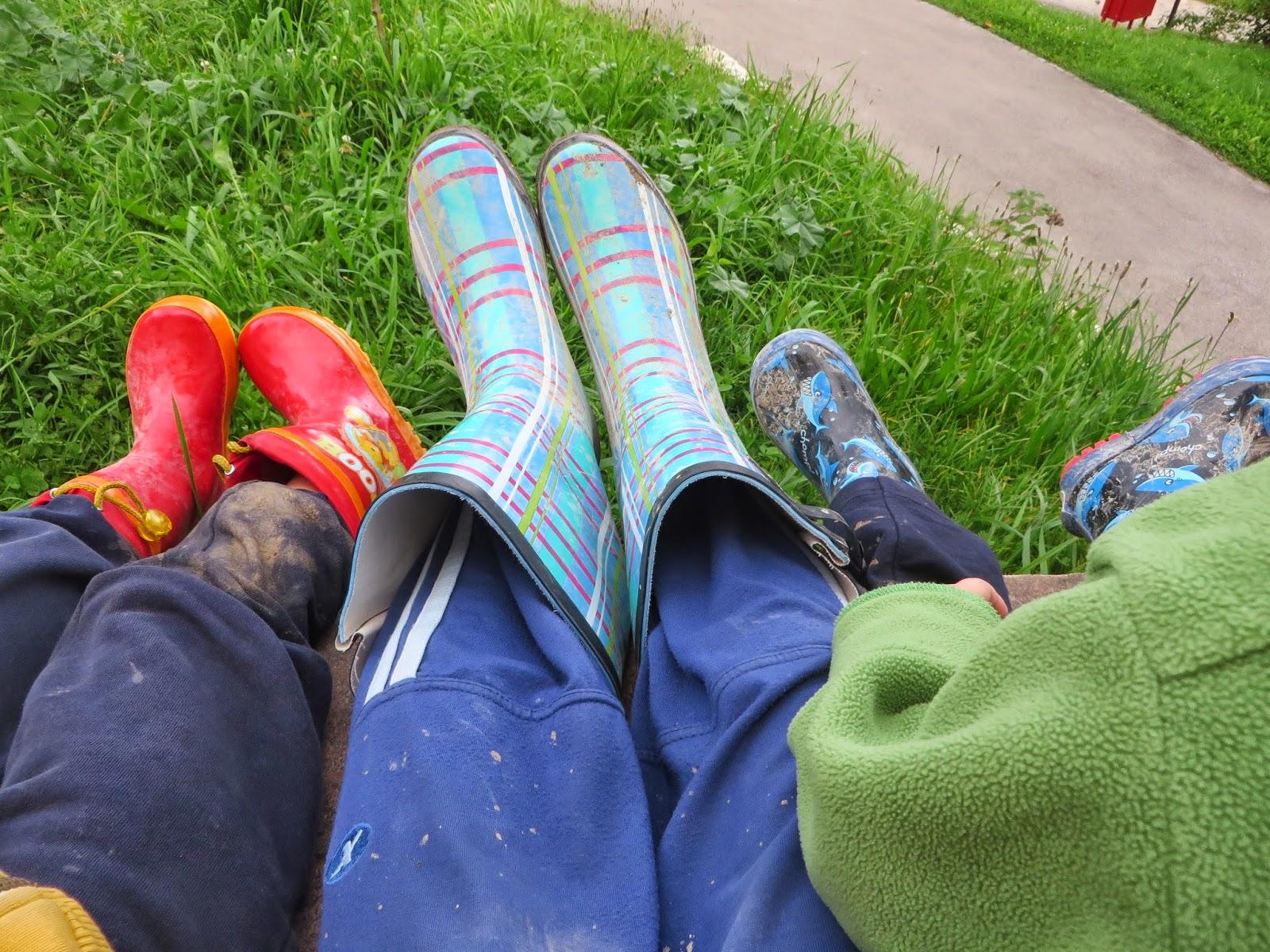 Žogice in kravate: Skakanje po blatnih lužah - na Zeleni hiški