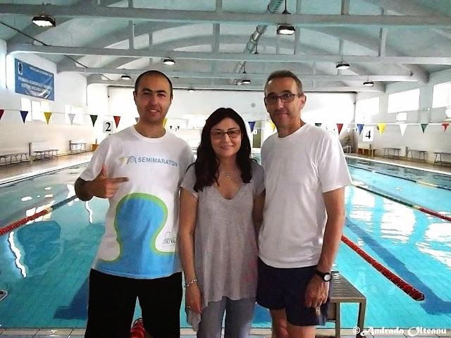 Maseur la Cupa Familiei 2015, eveniment de înot în Timişoara. Masaj de relaxare pentru sportivi după concurs. Florin Chindea, Roxana Morun, Mihai Lisetchi