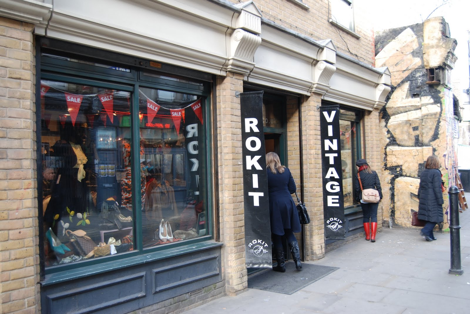 Salami English: LONDON - My little vintage shop, in the ...