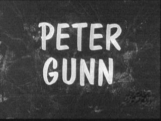 Fotograma en blanco y negro de la serie de 1958 : Pter Gunn