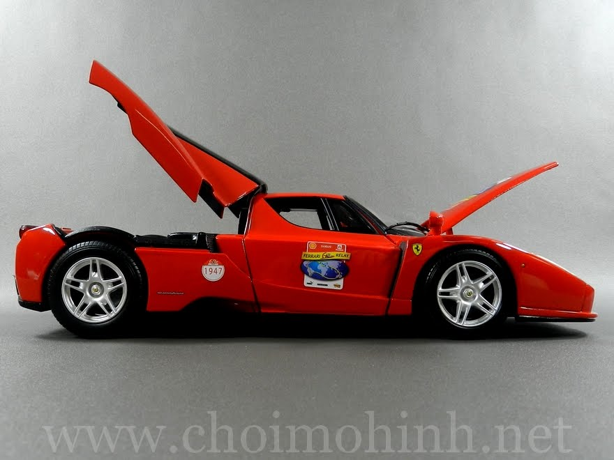 Ferrari Enzo 60TH Anniversary 1:18 Hot Wheels door