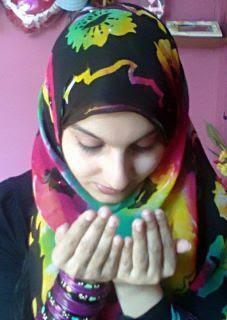 Muslim Girls Praying Wallpapers