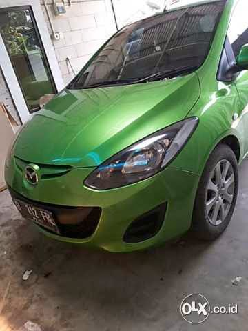 mobil mazda 2 tahun 2011 type s warna hijau met mazda bekas barang second tapi bagus. Black Bedroom Furniture Sets. Home Design Ideas