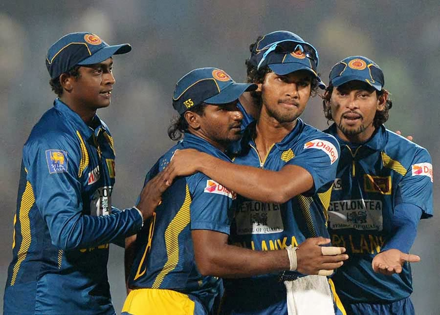 Sri Lanka wins first T20 by 2 runs