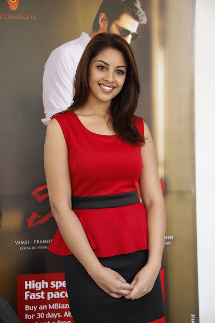 Richa Gangopadhyay in mini skirt
