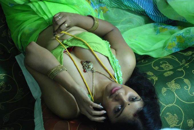 kamapichachi movie thigattadha kadhal pics