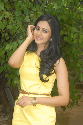splendid hot sexy Rakul preet singh latest beautiful photos in yellow