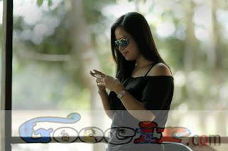 POTO MODEL :: Kumpulan poto model cantik indonesia terbaru