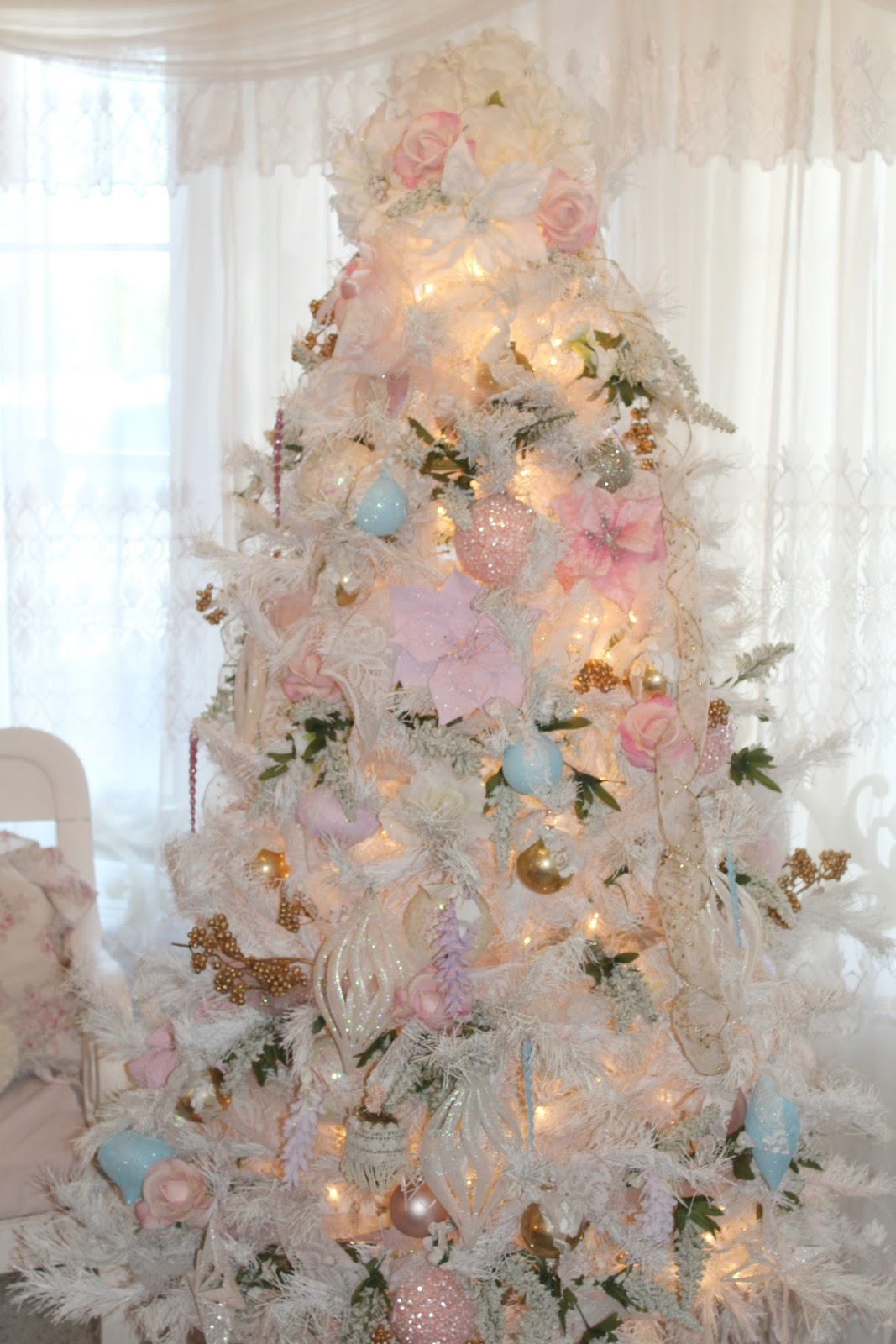 inexpensive white christmas tree decorating