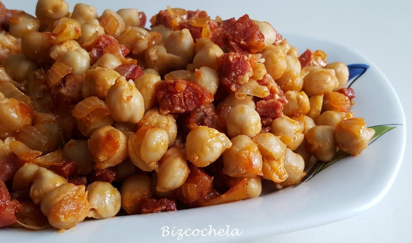 Recetas y a cocinar se ha dicho garbanzos fritos con for Cocinar garbanzos con chorizo