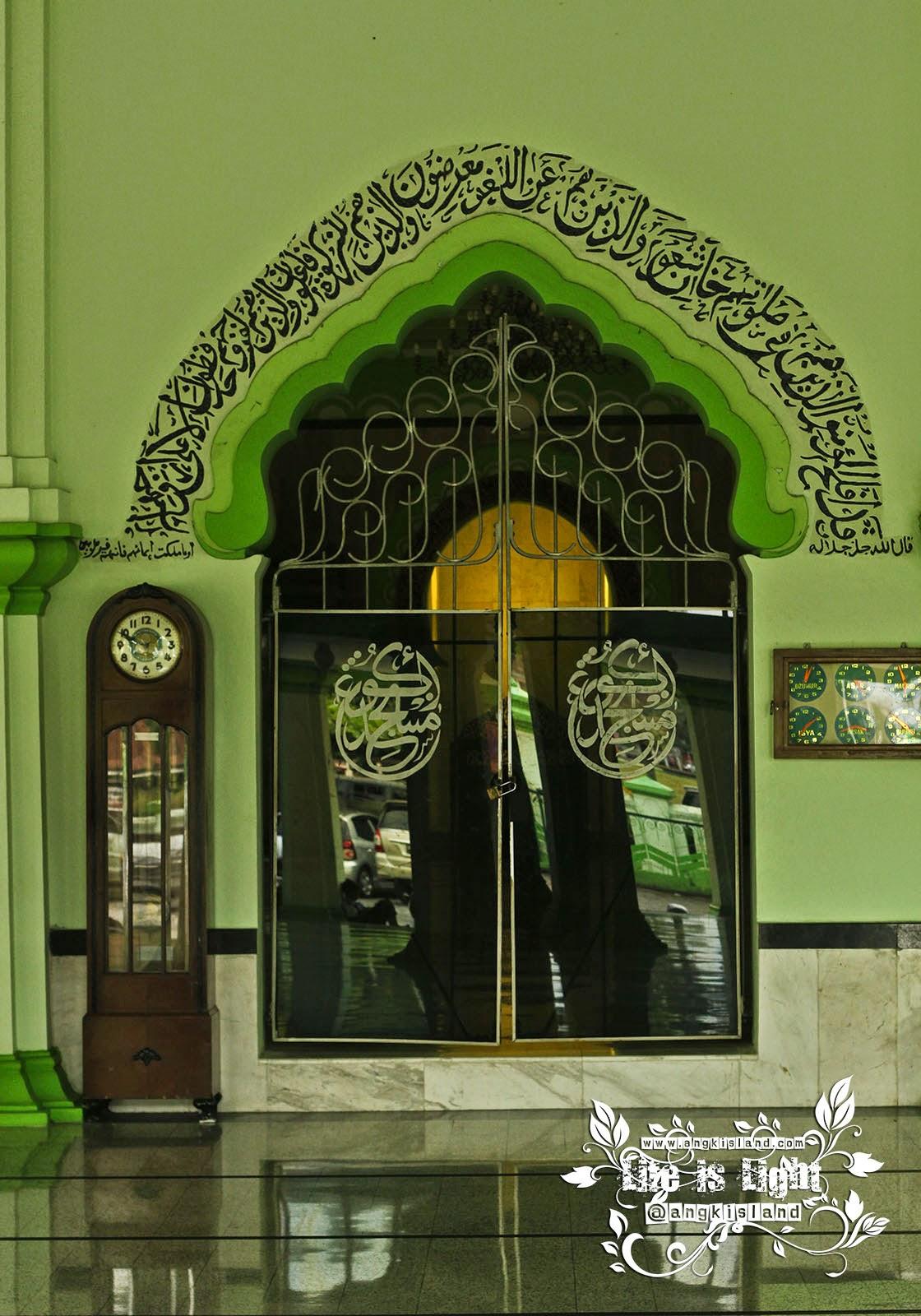 pintu arab masjid magelang