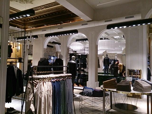 El blog de carmen duerto inauguraci n tiendas de cortefiel - Zara en cadiz ...