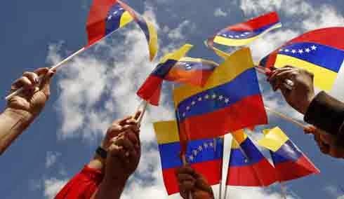 PASANDO LA HOJA / Diálogo y dialogantes