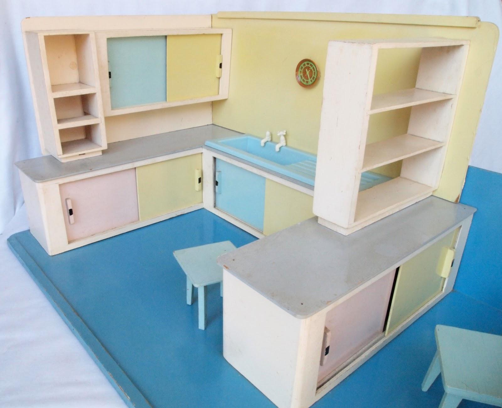 diepuppenstubensammlerin juni 2013. Black Bedroom Furniture Sets. Home Design Ideas
