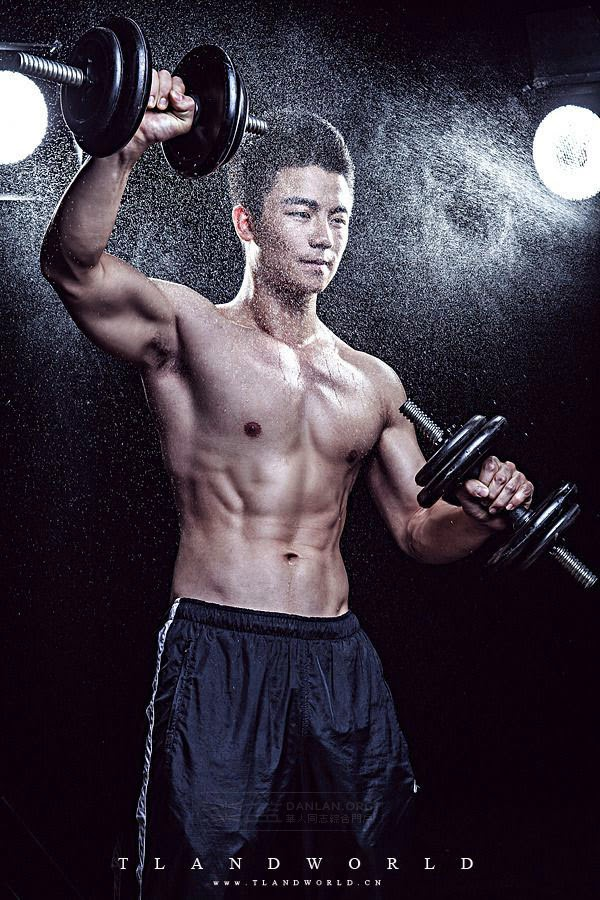 http://gayasiancollection.com/muscle-asian-hunks-from-chengdu/