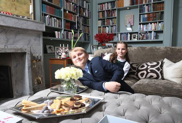 http://1.bp.blogspot.com/-tOgBkaToSeg/Vm8nAfFG4vI/AAAAAAAA5Os/9U_j8UErd1I/s600/Norway-Royal-Family-6.jpg