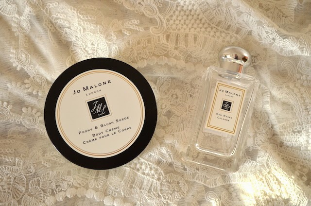 Jo Malone The Loop Dublin Airport Red roses and peony and blush suede