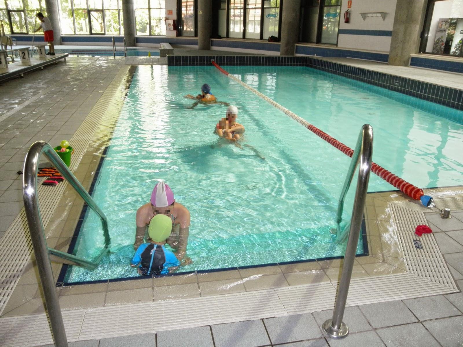 Colegio el pino piscina adaptada fisioterapia for Piscina parquesol