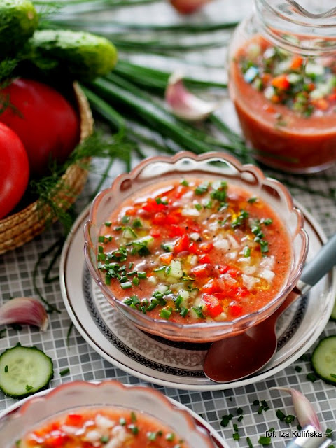 chłodnik pomidorowo jarzynowy , danie na lato , orzeźwienie , zupa pomidorowa bez gotowania