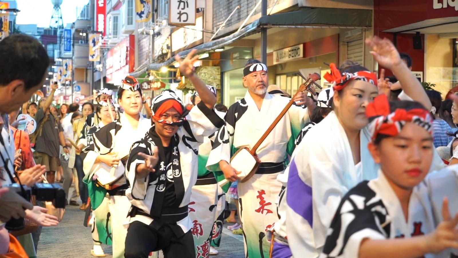 高円寺阿波おどり、ふれおどり、美踊連の動画を見る