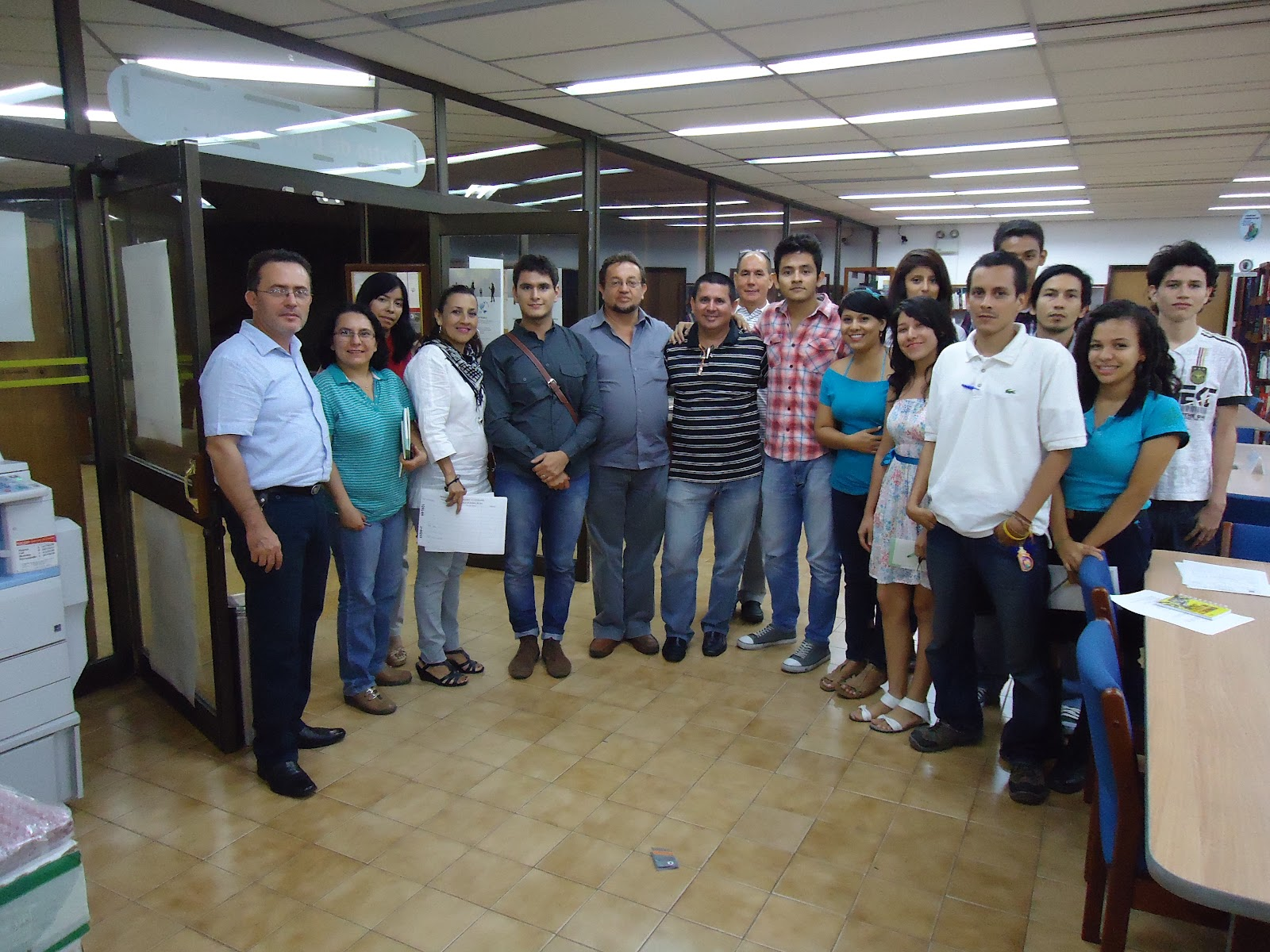 Betuel bonilla rojas visita a los talleres relata c cuta for Oficinas banco popular pamplona
