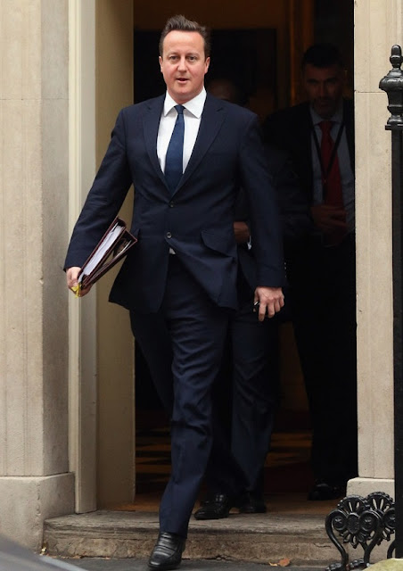 celebrity heights how tall are celebrities heights of celebrities how tall is david cameron. Black Bedroom Furniture Sets. Home Design Ideas