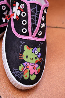 Hello Kitty zombie shoes