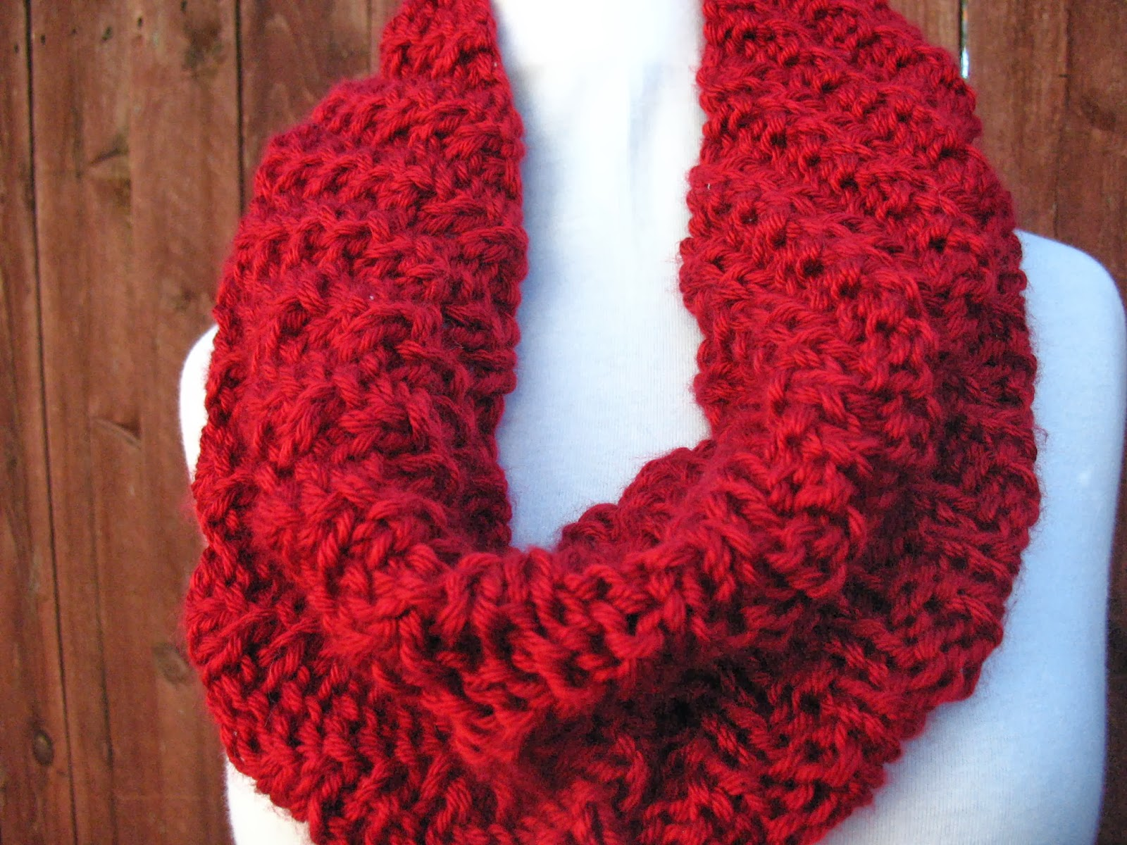 Caron Simply Soft Knitting Patterns : Christine Designs: Knit it Tonight Cowl
