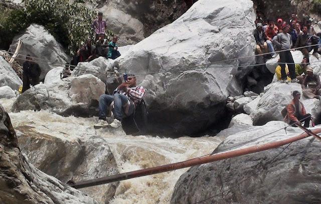 வெள்ள நிவாரணப் பணிகள்-கேதர்நாத்..படங்கள் இணைப்பு Floods.+Rescue+10