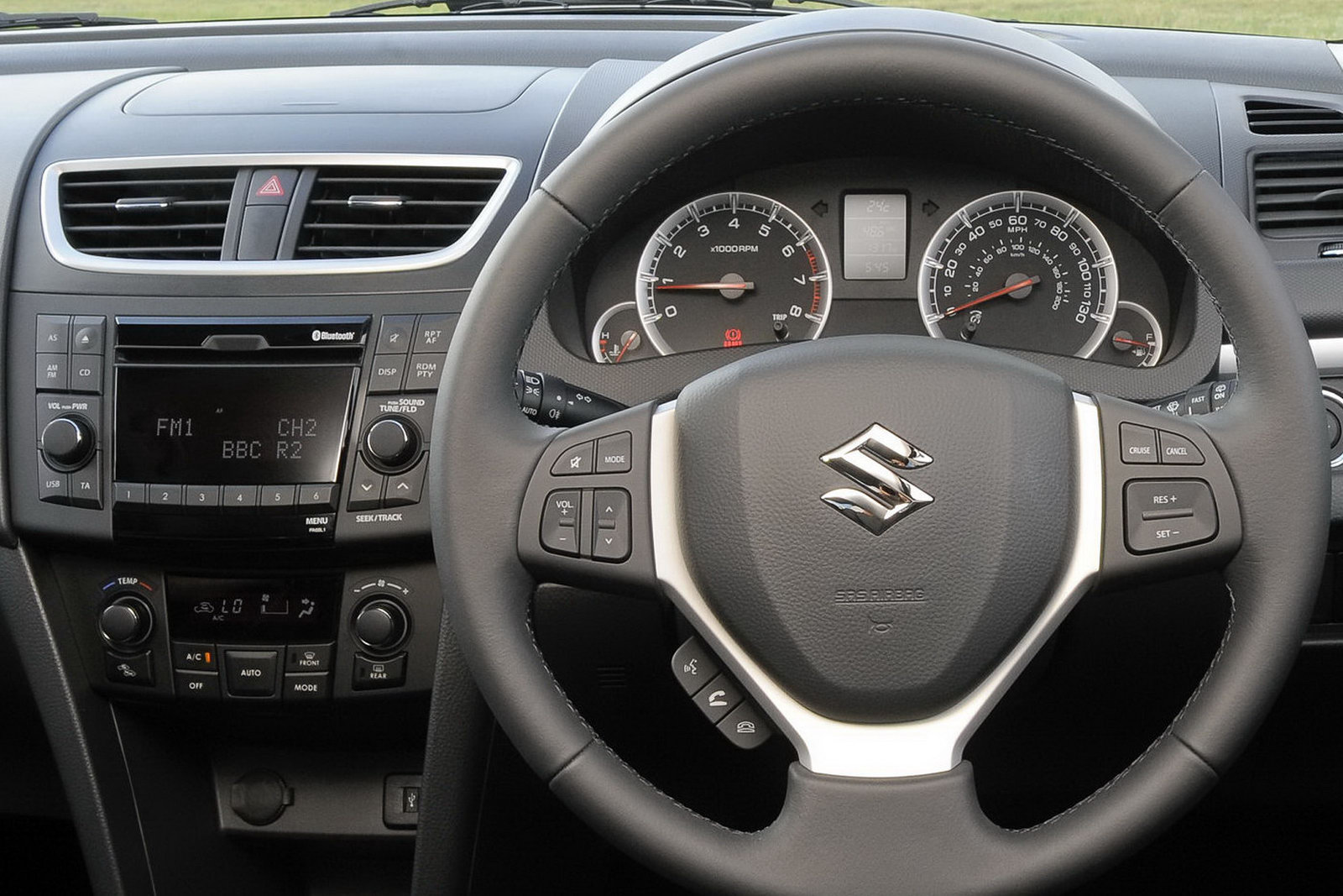 Hybrid cars 2011 maruti suzuki swift for Swift vxi o interior