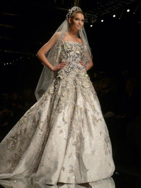 Nos vamos de boda, señores. - Página 4 Elie_saab_wedding_gown