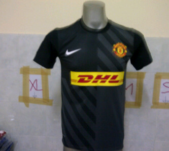 MU DHL training jersey Black