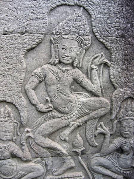 apsara-danse-bas-relief-bayon