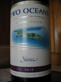 Label photo of 2010 Two Oceans Shiraz from South Africa