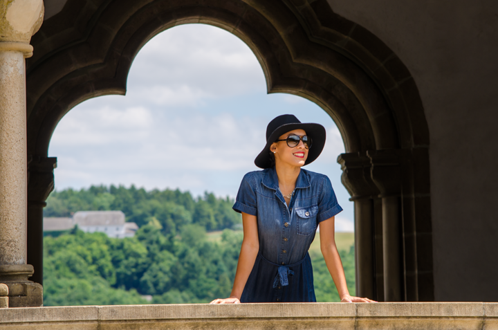 exploring Vianden castle in Banana Republic shirt dress