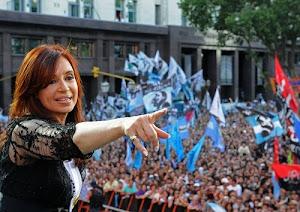 Cristina Presidenta 2011 - 2015 A Cambiar la Historia de la mano del pueblo argentino!