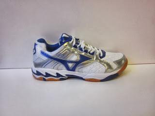 Sepatu Mizuno Volley ball merah
