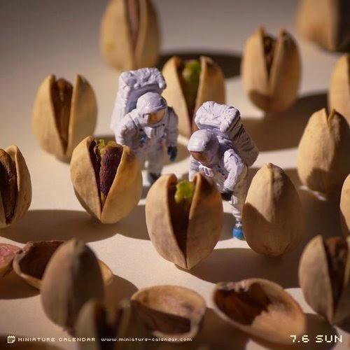 25-Pistachien-Aliens-Tatsuya-Tanaka-Miniature-Calendar-Worlds-www-designstack-co