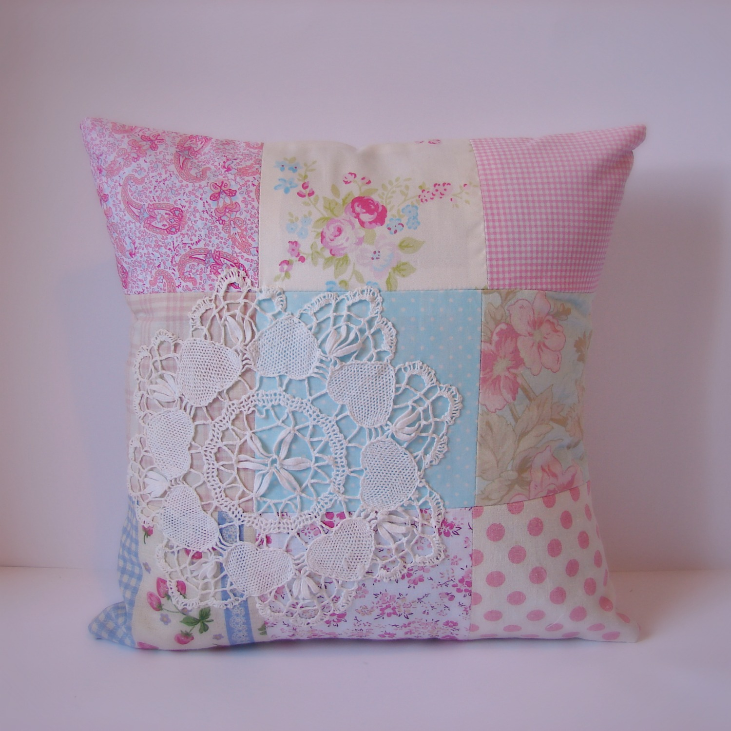 how to make a quilted patchwork cushion