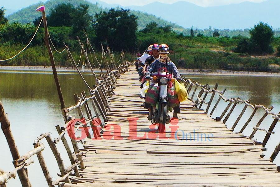 Gia Lai: Cầu vượt sông Ba bằng sức dân