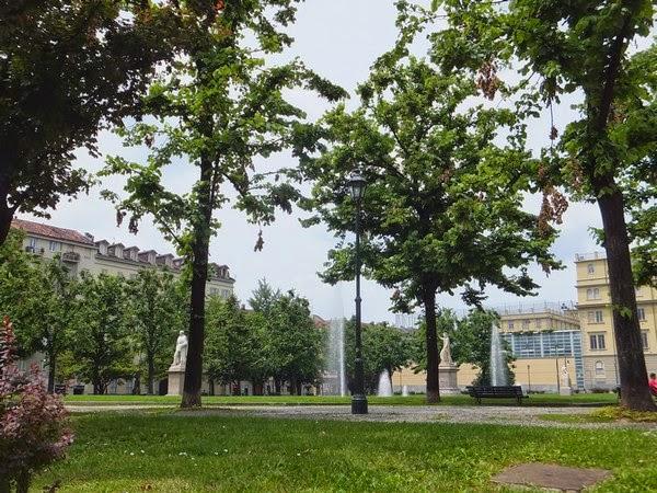 Turin Italie Via Po giardino aiuola balbo