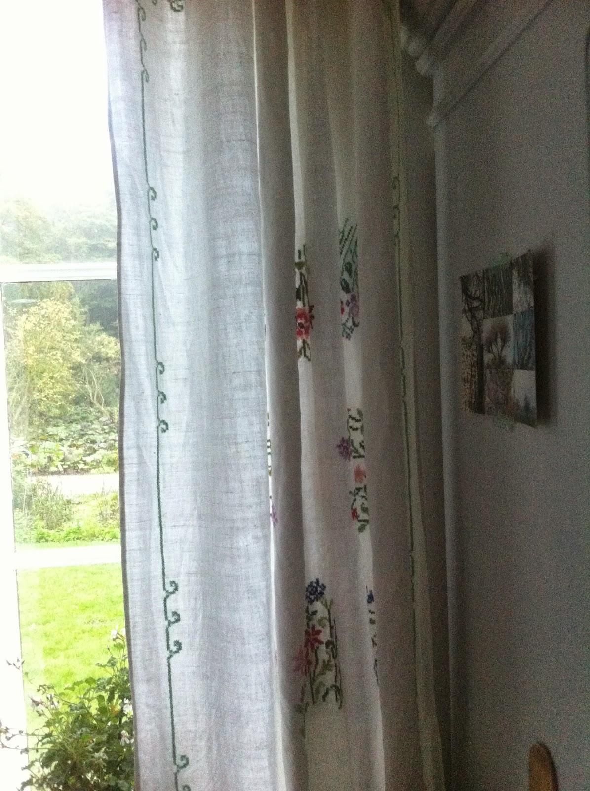 Vandre blandt ege: skrab sammen gardin
