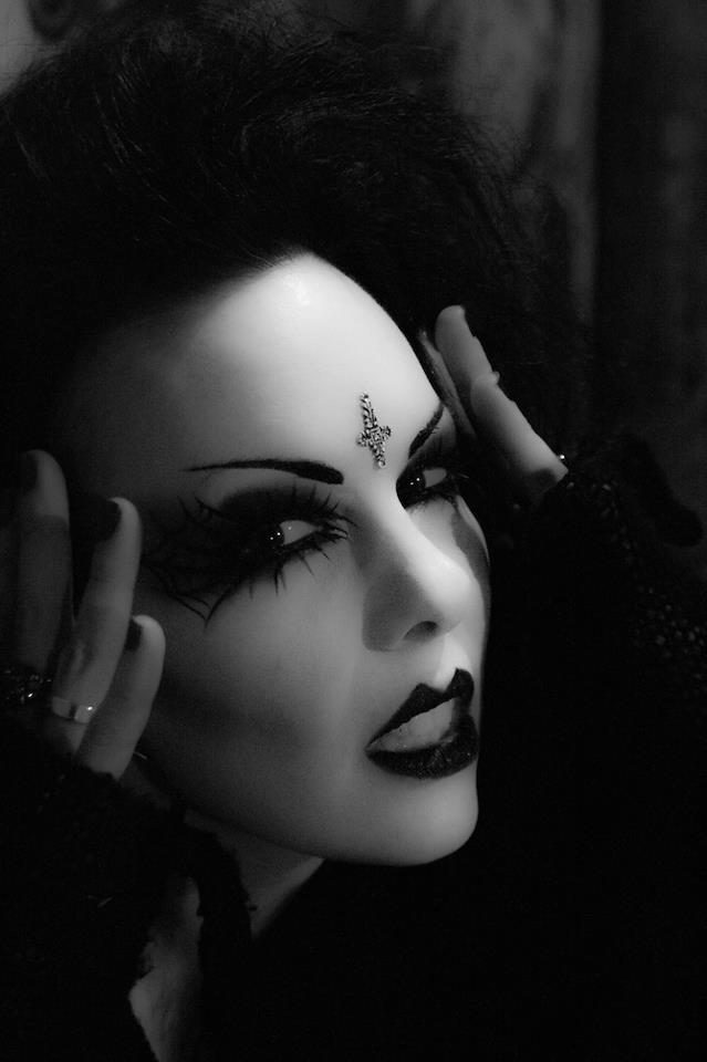Goth Girl Of The Week Feature Evilyn13