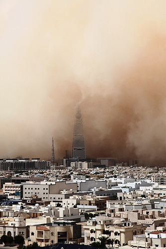 Saudi Arabian International School Riyadh http://hyd-news.blogspot.com/2013/04/a-massive-sandstorm-hits-riyadh-region.html
