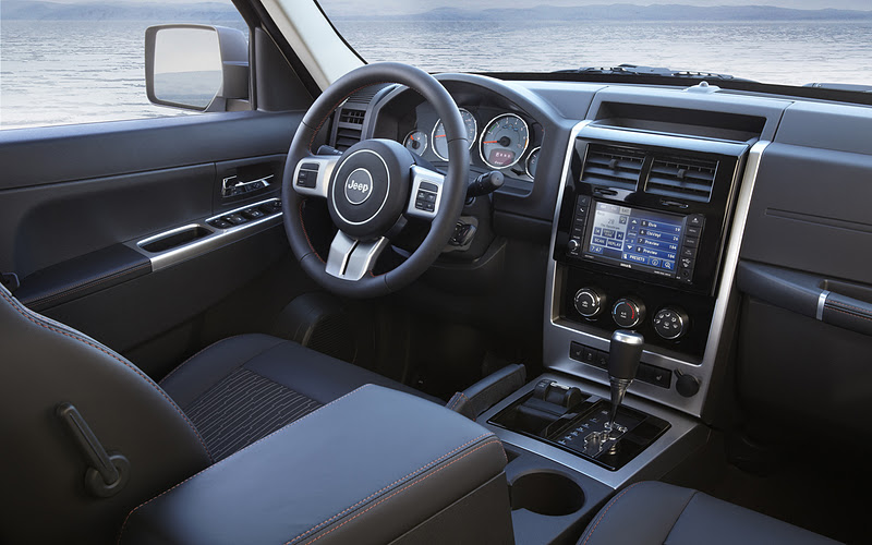 2013 - [Jeep] Cherokee 2012+jeep+Liberty+Arctic+interior