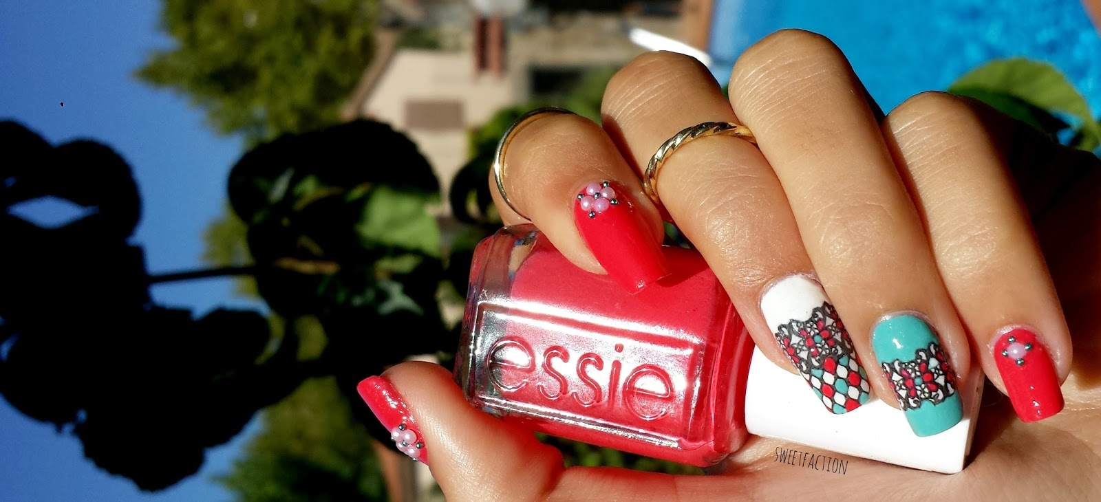 Sweetfaction: CHIC NAILS con ESSIE