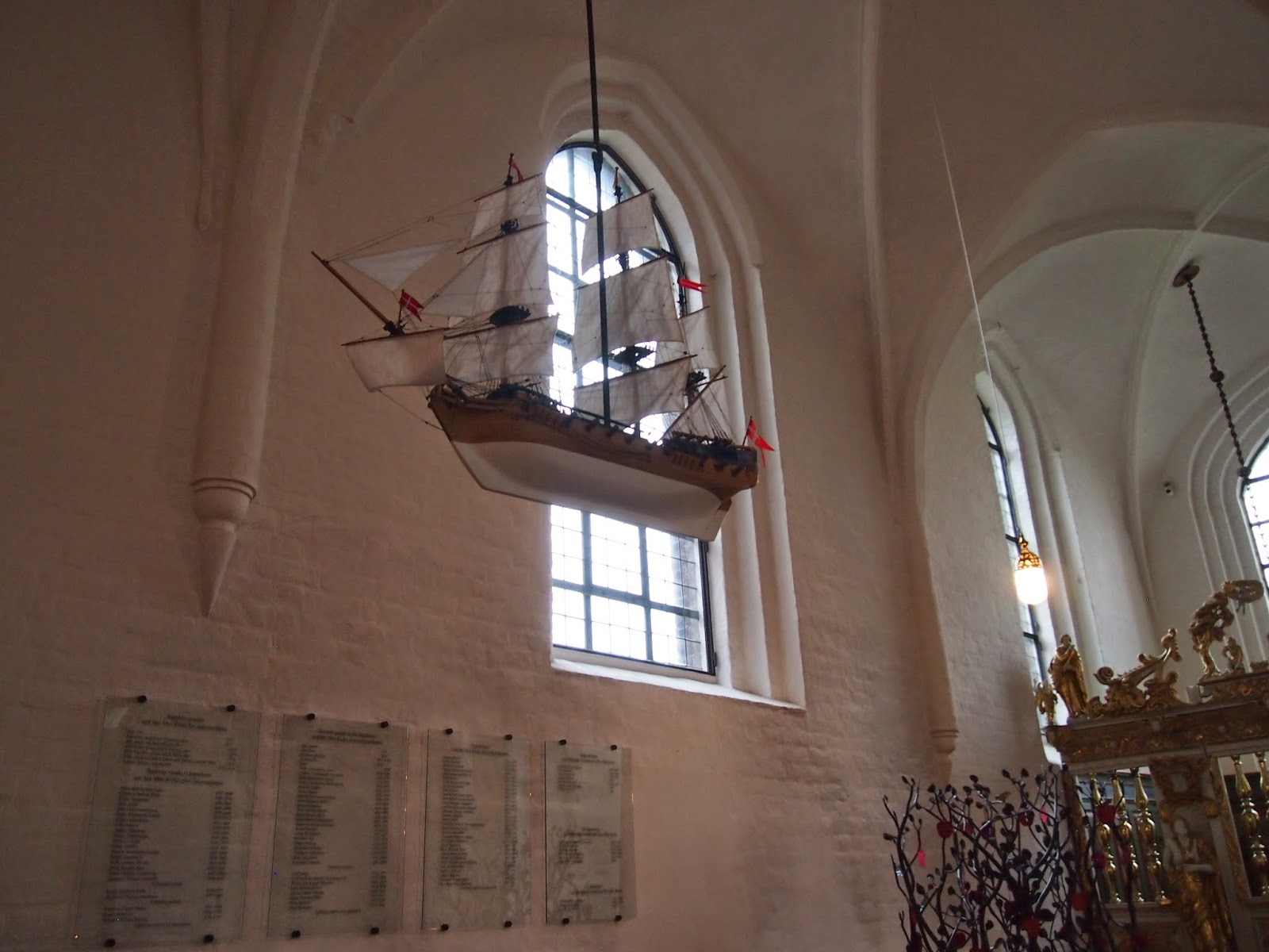Maritime motifs in churches in Helsingor