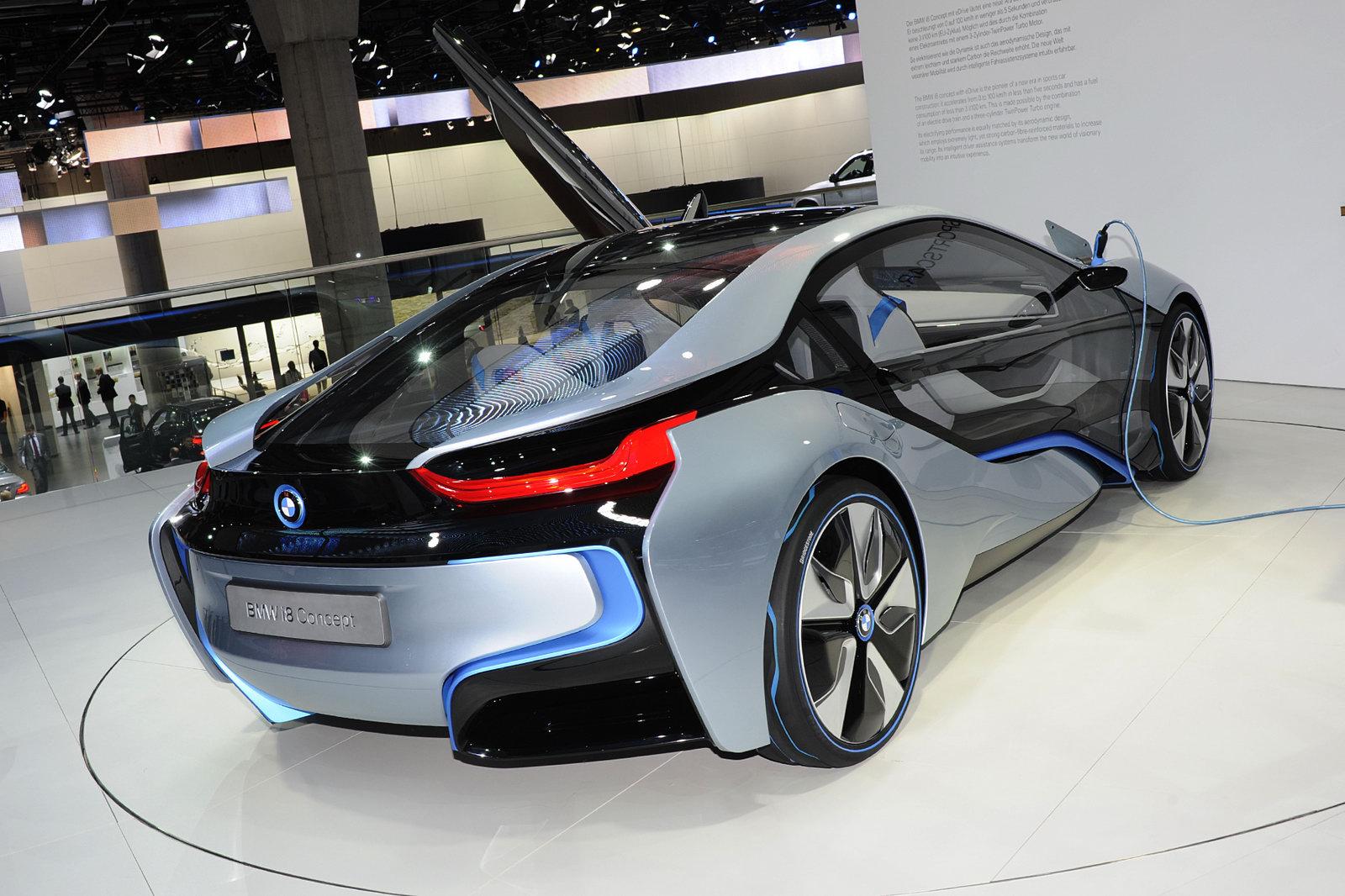 http://1.bp.blogspot.com/-tSTkiBiQK_4/TuDTHrovTgI/AAAAAAAABWg/1WZQGBhQkLg/s1600/2013-BMW-i8-98.jpg